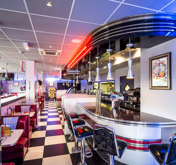 american quarterback diner in france. Black Bedroom Furniture Sets. Home Design Ideas