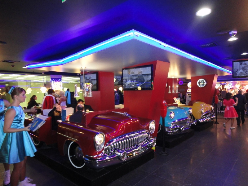 Outstanding Diner Car Restaurants 800 x 600 · 381 kB · jpeg